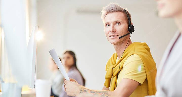 support line operator